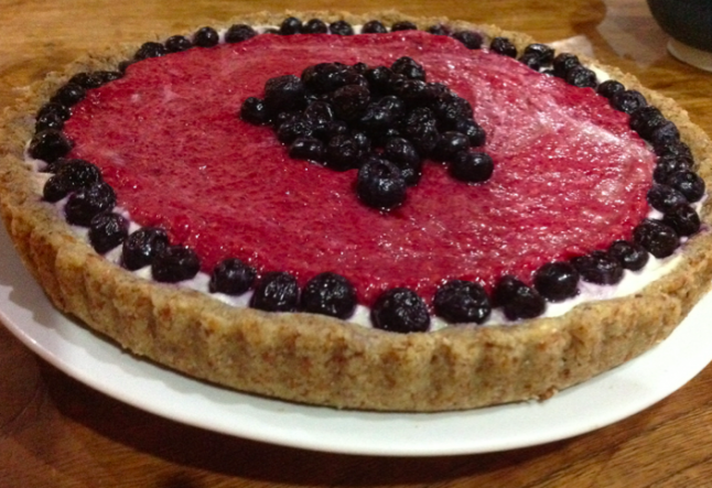raw raspberry blueberry pie