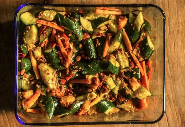 veggies in peanut sauce