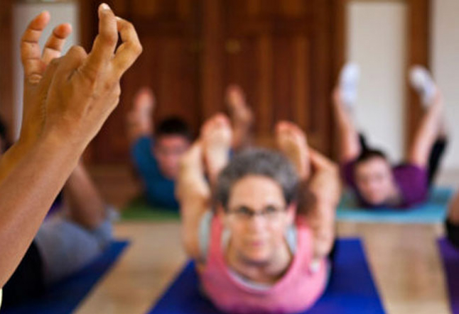5 simple tips for teaching yoga to the deaf and hard of hearing