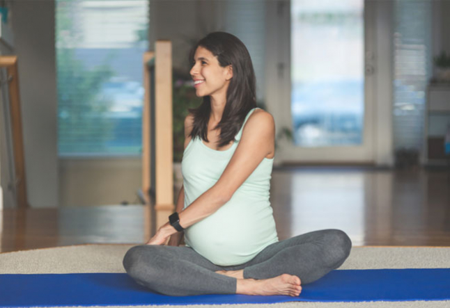 3 foot strengthening yoga moves to keep the pregnancy niggles at bay