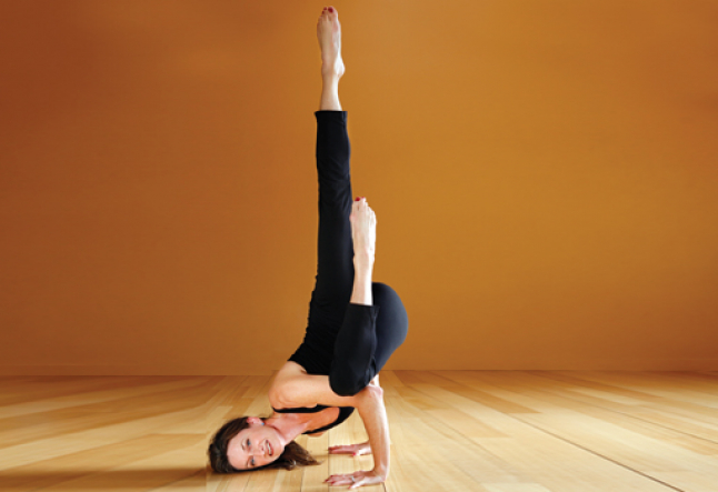 devaduuta panna asana or fallen angel pose