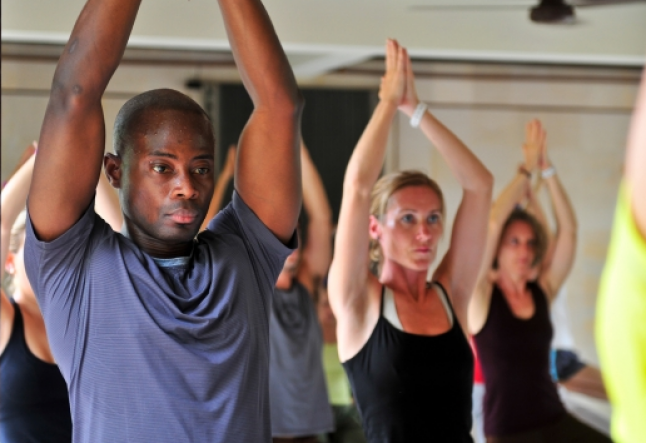 Setting boundaries between yoga teachers and students
