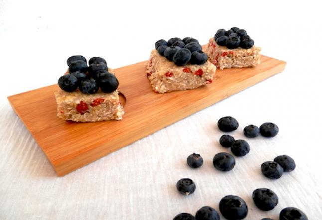 raw blueberry oats snacks