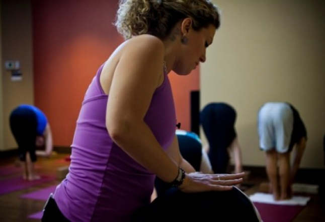 how to find the right yoga instructor for you