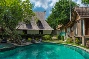 jungle room bali