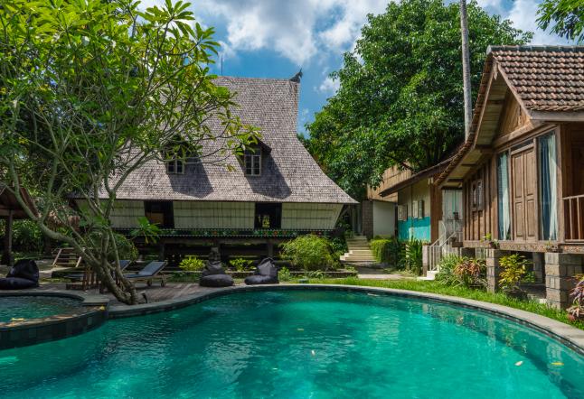 jungle room bali