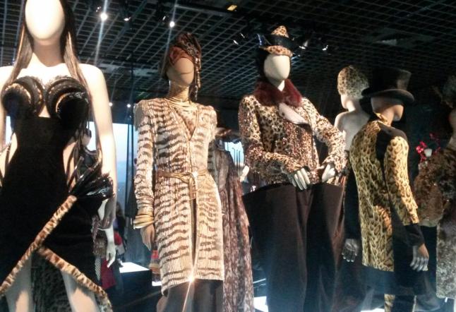 enfin l'exposition jean-paul gaultier arrive à paris !