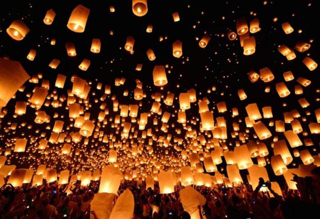 chiang mai luminous lantern festival