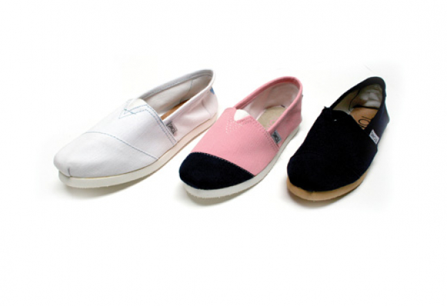 toms: shoes for tomorrow